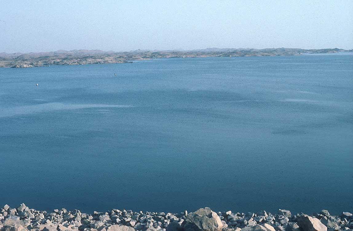نهر النيل  Nasser-lake