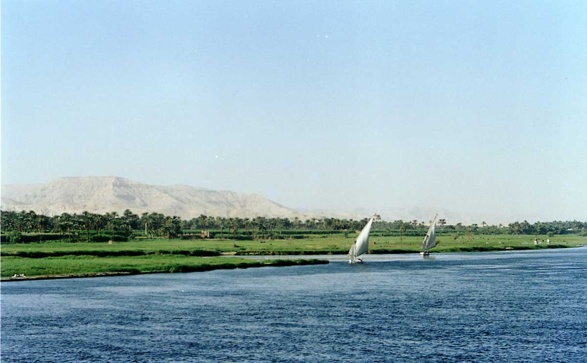 http://www.bigfoto.com/africa/egypt/nile-egypt_k5a.jpg