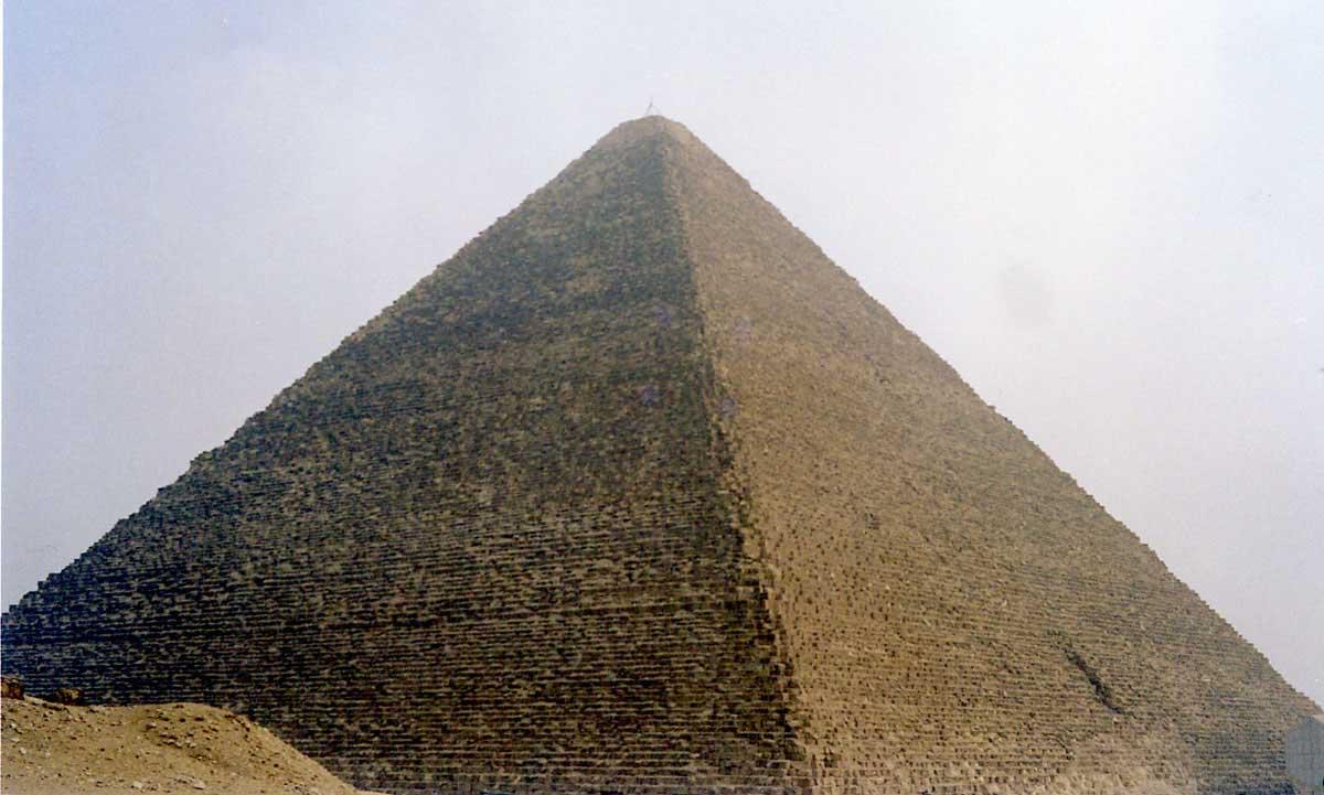 [عکس: pyramid_egypt-m1.jpg]