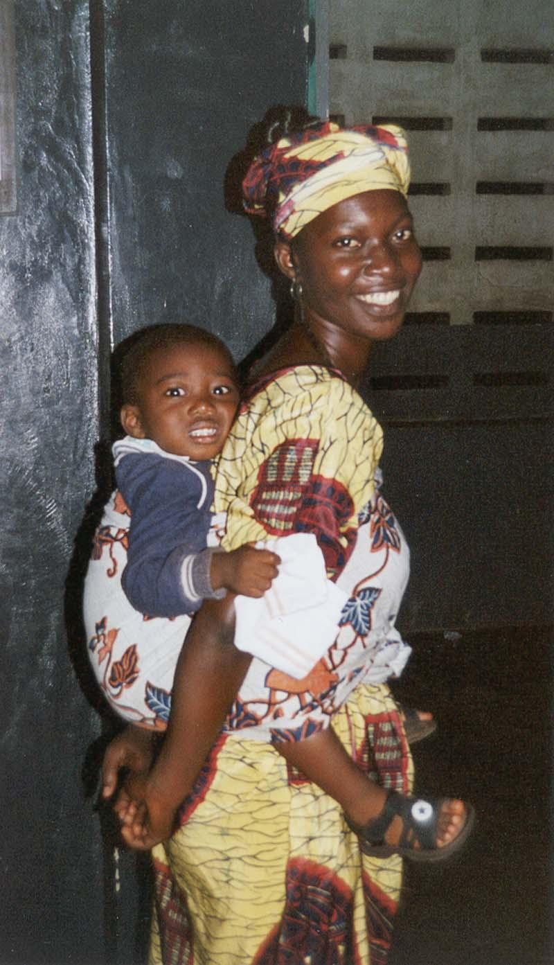 БИСЕРИ НА НАШИТЕ БИСЕРЧИЊА - Page 2 Ghana-mother-child-nh3