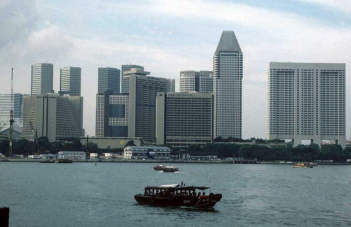 http://www.bigfoto.com/asia/singapore/singapore-3zo1.jpg