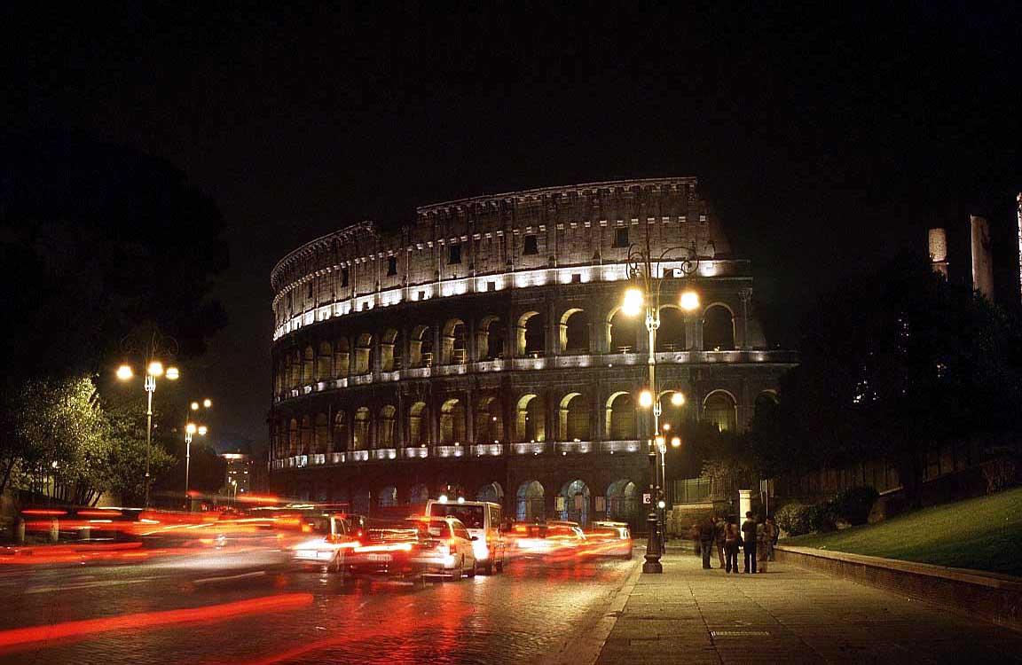 روما - ROME Coloseum_night