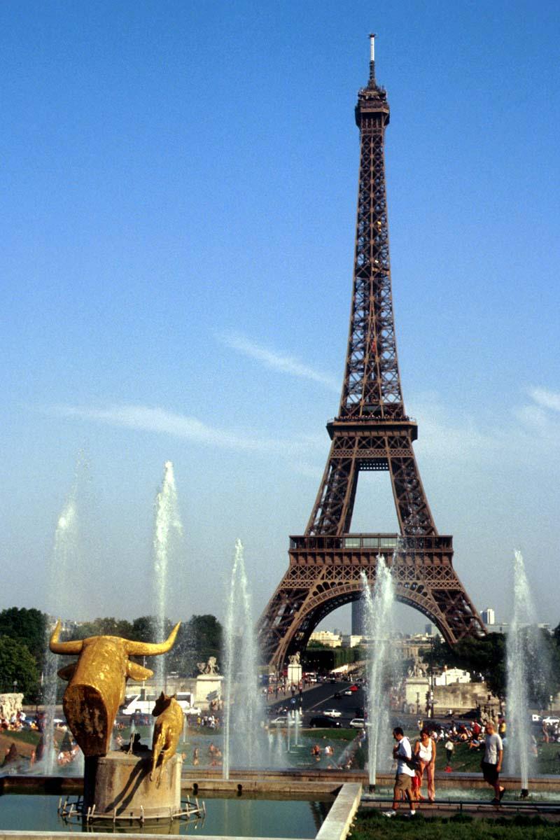 Paris city of love Paris-8m5