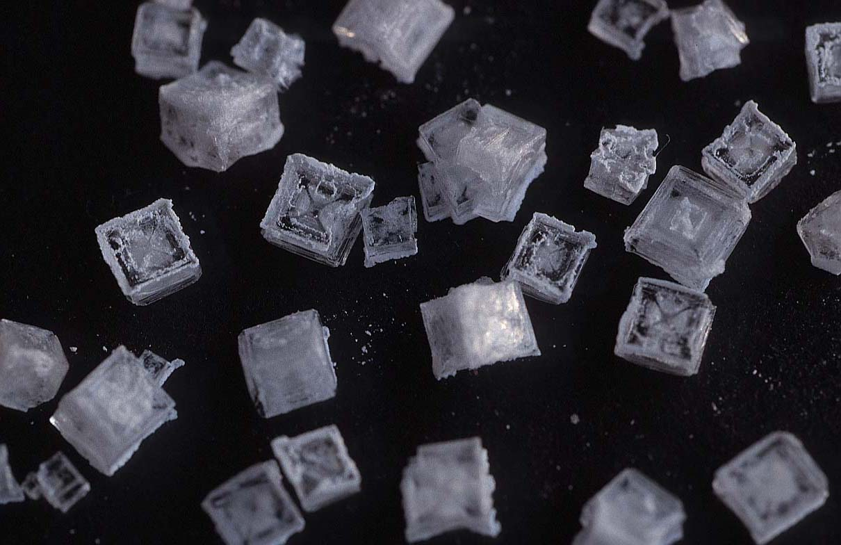 how to avoid crystallization when cooking sugar