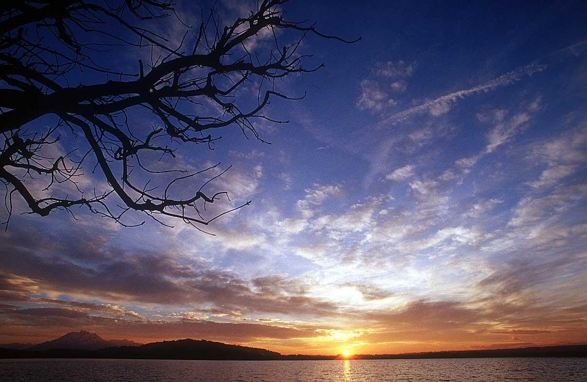 http://www.bigfoto.com/sites/galery/sky/14_sky.jpg