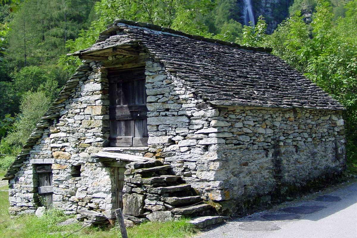 Kuće od kamena Stone-house-7z2