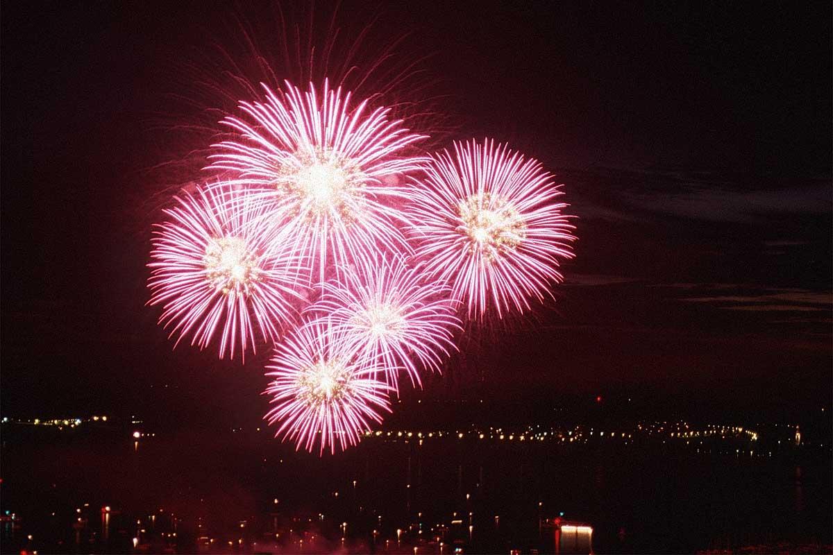 مبروووووووك سسسسوووووووريا وعقبال كأس آسيا  Fireworks-feuerwerk-l9