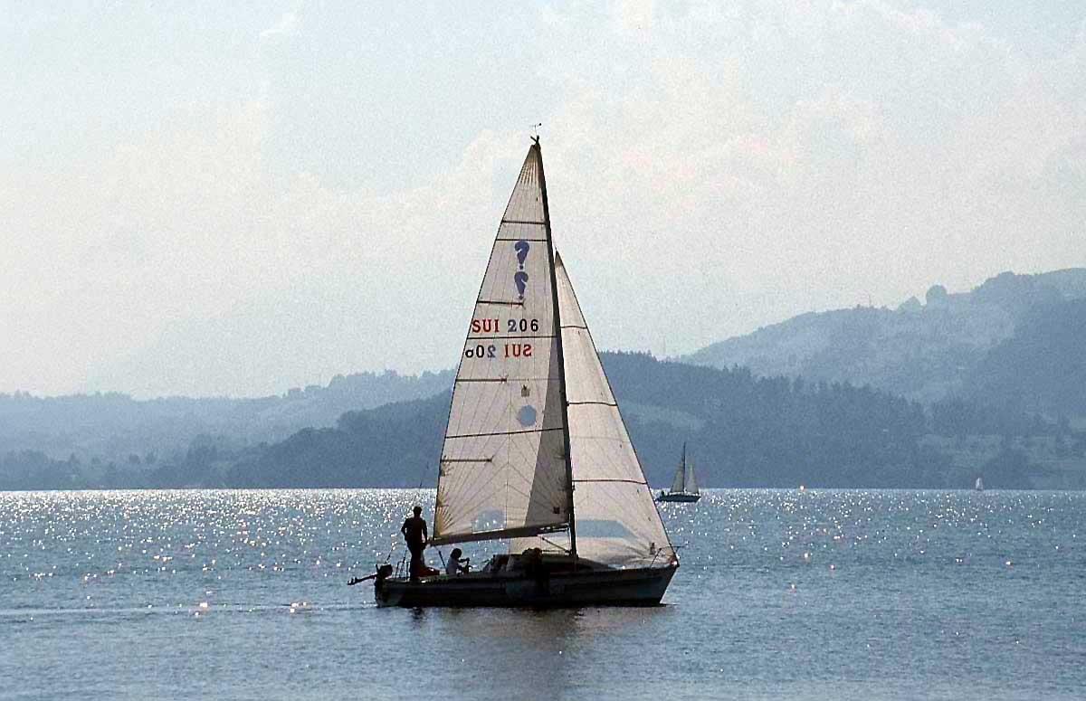 لمحبي البحر.صور سفن وقوارب sailing-boat-cgx3.jp