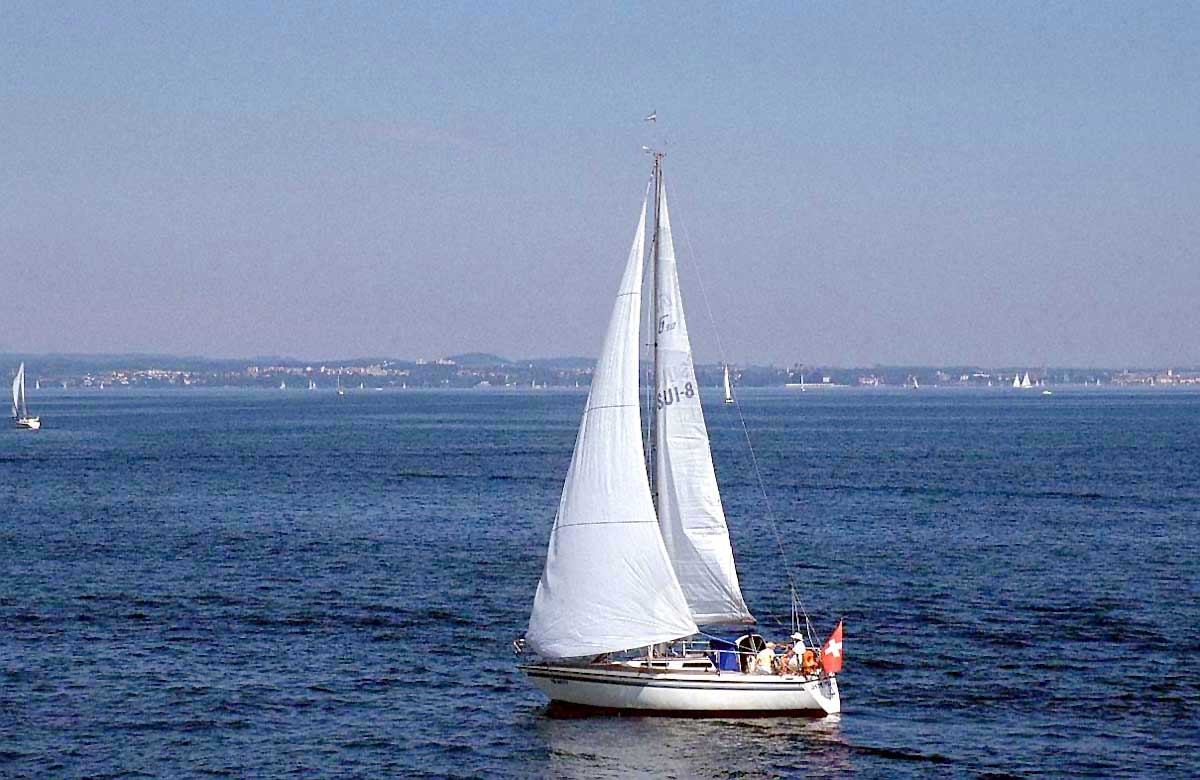 لمحبي البحر.صور سفن وقوارب sailing-boat-f59h.jp